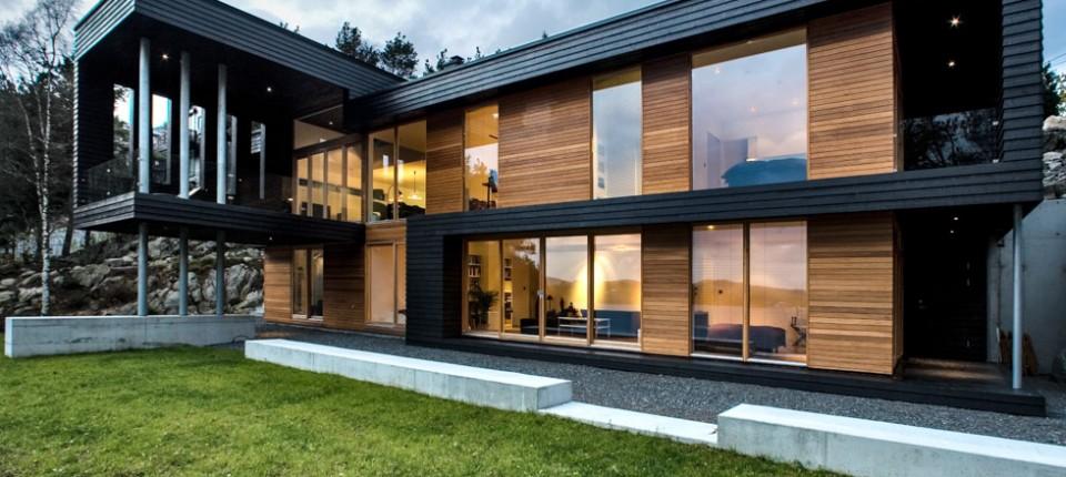 Chalet de lujo en la moraleja tejas de madera for Planos de chalets de lujo