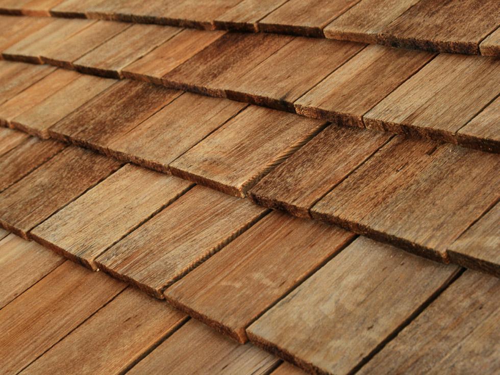 Tejas de madera shingles tejas de madera for Imagenes de tejados de madera